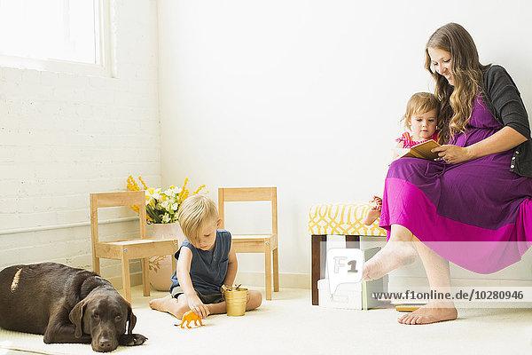 Sohn Teppichboden Teppich Teppiche Tochter Mutter - Mensch spielen vorlesen