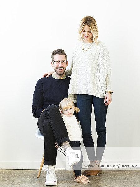 niedlich süß lieb Portrait Menschliche Eltern Mädchen