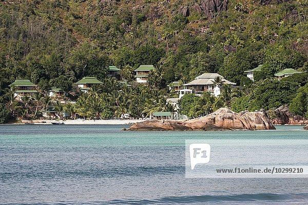 Hotelanlage  Bungalows  Hotel L'Archipel mit Anse Gouvernement  Insel Praslin  Seychellen  Afrika