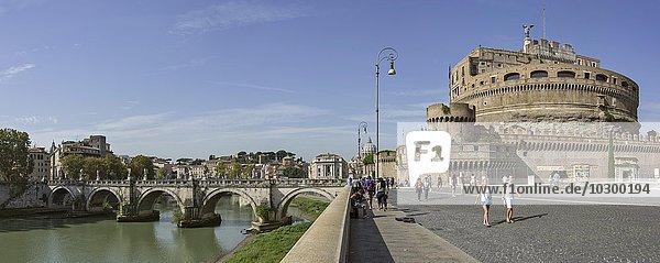 Engelsburg  Engelsbrücke und Tiber  Rom  Latium  Italien  Europa