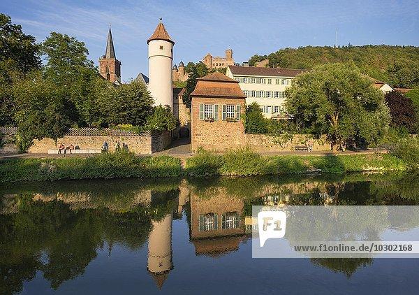 Fluss Tauber  Kittsteintor  Roter Turm  Stadtkirche und Burgruine  Wertheim  Baden-Württemberg  Deutschland  Europa