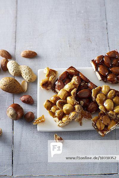 Hausgemachtes Krokant  Nüsse und Mandeln