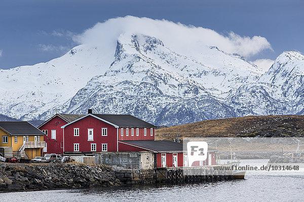 Hafen von Laukvik  Austvagoy  Lofoten  Norwegen