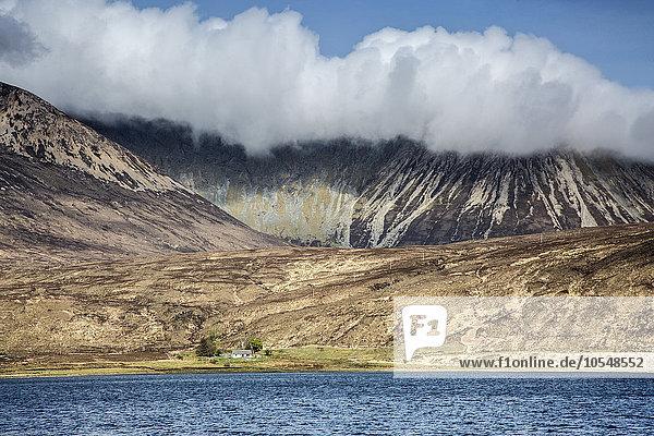 Wolken über den Bergen  Schottland