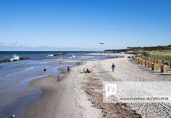 Ostsee-Strand  Ostseebad Wustrow  Fischland  Fischland-Darß-Zingst  Mecklenburg-Vorpommern  Deutschland  Europa