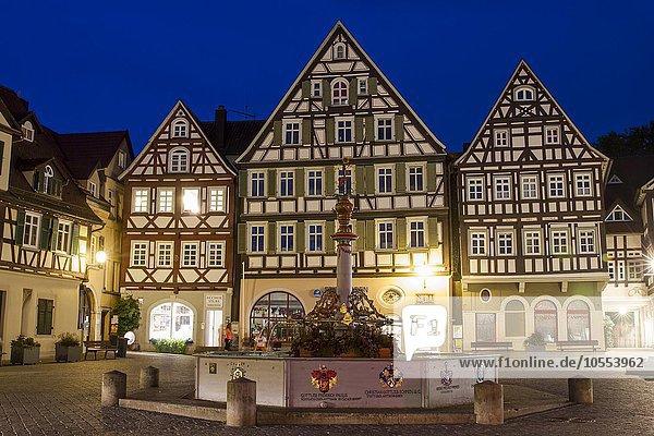 Marktplatz mit Marktbrunnen  Schorndorf  Baden-Württemberg  Deutschland  Europa