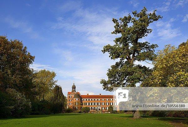 Schloss und Schlosspark Eutin  Schleswig-Holstein  Deutschland  Europa