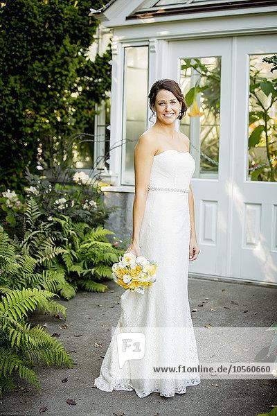 Blumenstrauß, Strauß, Europäer, Braut, halten, Garten