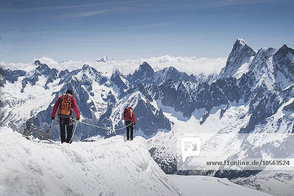Montblanc Mont Blanc Europäer Berggipfel Gipfel Spitze Spitzen gehen Ski