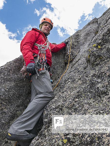 benutzen Europäer Seil Tau Strick Klettern