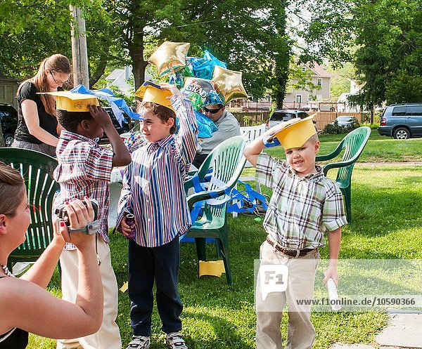 Kindergruppe beim Kindergartenabschluss
