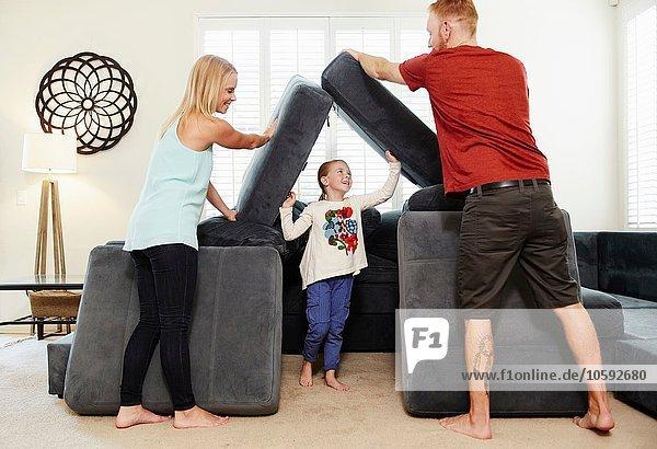 Familien-Stapelkissen im Wohnzimmer