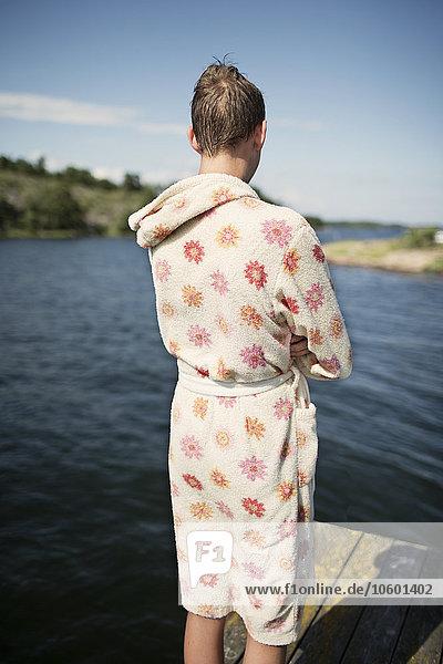 Jugendlicher sehen Junge - Person See Bademantel