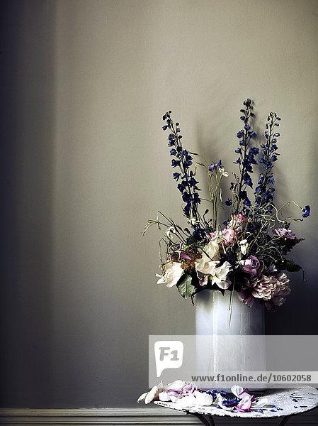 Wand Blume Blumenvase grau