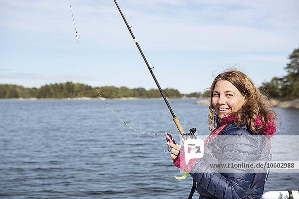 junge Frau junge Frauen angeln
