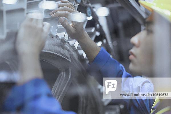 Maschine,Ingenieur,Fabrikgebäude,reparieren
