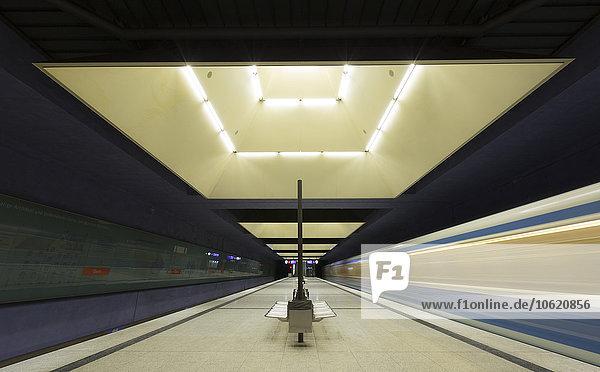 Deutschland  München  Innenansicht U-Bahnhof Gern