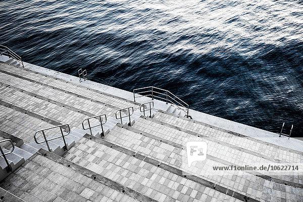 Monaco  La Condamine  Monte Carlo  Schritte zum Meer Monaco, La Condamine, Monte Carlo, Schritte zum Meer