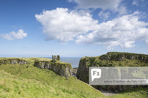 Großbritannien  Nordirland  County Antrim  Dunseverick Castle an der Atlantikküste