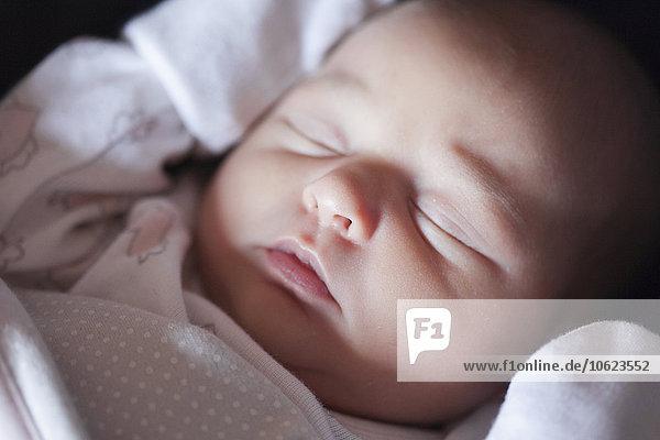 Schlafendes kleines Mädchen