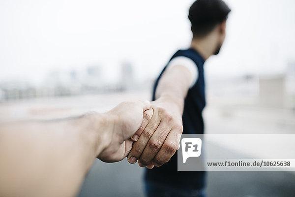 Händchen halten  Nahaufnahme