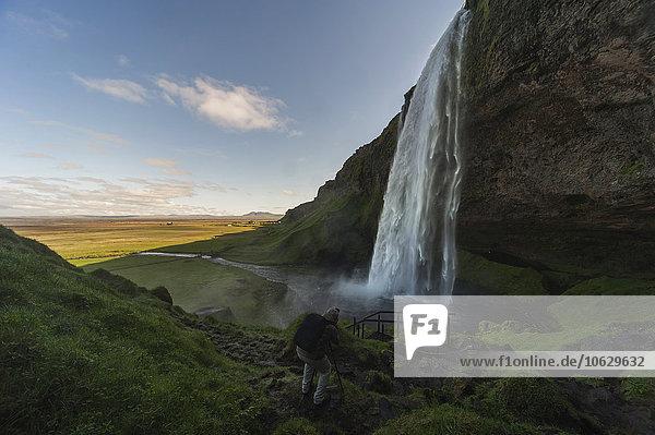 Island  Fotograf bei Seljalandsfoss