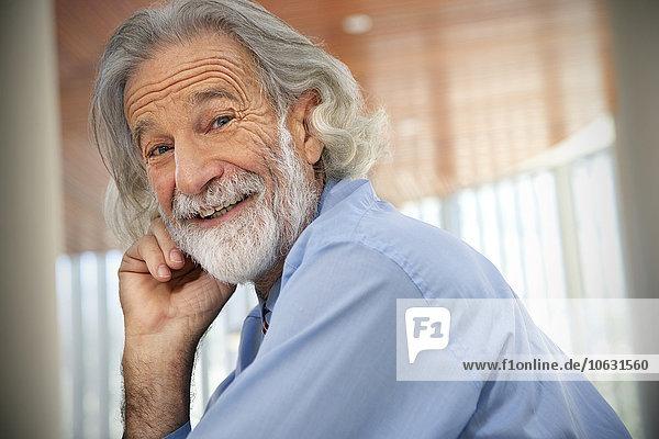 Lachender älterer Mann  Porträt Lachender älterer Mann, Porträt
