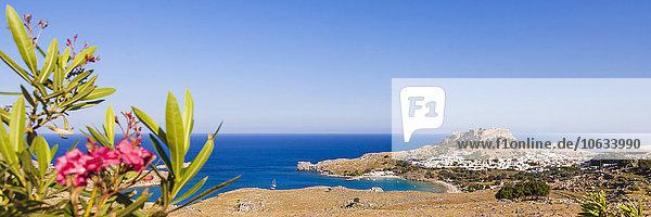 Griechenland,  Ägäische Inseln,  Rhodos,  Lindos,  Blick auf die Akropolis von Lindos