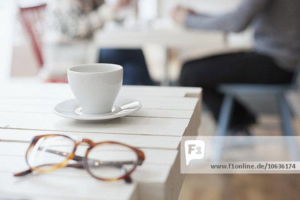 Mensch Tasse Brille Menschen Cafe Hintergrund Close-up Kaffee Tisch Mensch,Tasse,Brille,Menschen,Cafe,Hintergrund,Close-up,Kaffee,Tisch