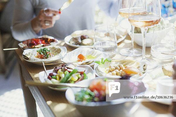 Frau Mittlerer Ausschnitt Restaurant libanesisch