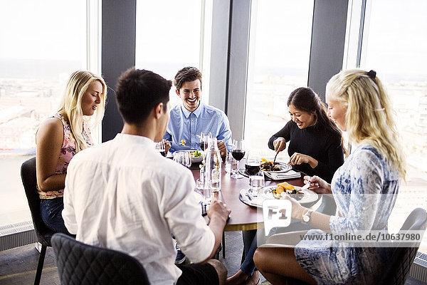 Fröhlichkeit Freundschaft Himmel Restaurant Gericht Mahlzeit