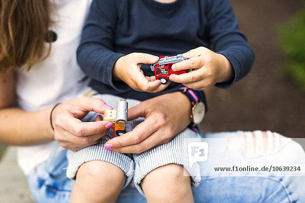 Sohn Auto Spielzeug Mutter - Mensch spielen