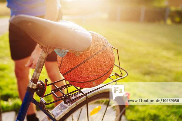 Mann Mittlerer Ausschnitt Basketball Fahrrad Rad Sport