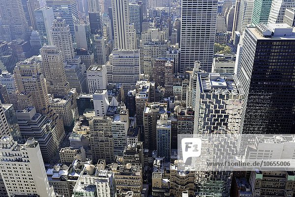 Ausblick auf Hochhäuser  Aussichtsplattform Top of the Rock  Rockefeller Center  Manhattan  New York  USA  Nordamerika