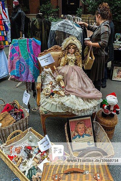Vereinigte Staaten von Amerika USA zeigen New York City Straße Spielzeug Antiquität Floh Markt