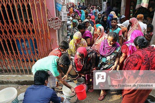 Wasser Fotografie sammeln Krise Experiment Zimmer Bangladesh kassieren Monat September