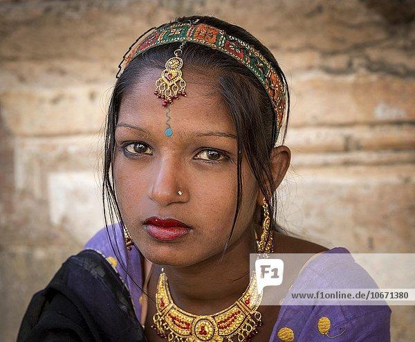 Junge Frau  Portrait  Pushkar  Rajasthan  Indien  Asien