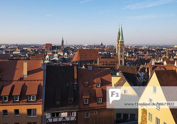 Vorne St. Sebald  hinten St. Lorenz  Altstadt  Nürnberg  Mittelfranken  Franken  Bayern  Deutschland  Europa