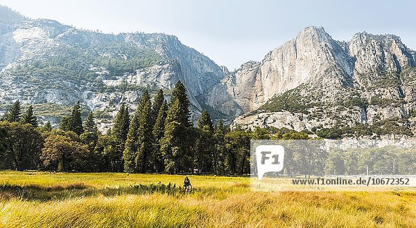 Yosemite Valley im Herbst  Yosemite-Nationalpark  UNESO Weltnaturerbe  Kalifornien  USA  Nordamerika