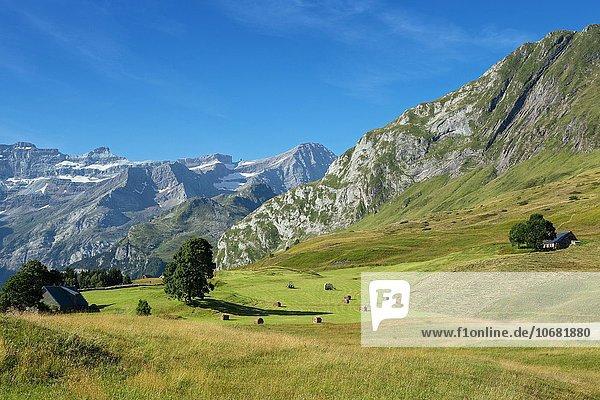 Plateau de Saugue  Cirque de Gavarnie  Hautes Pyrénées  Frankreich  Europa