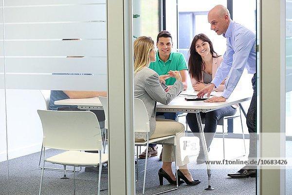 Zimmer Büro Besuch Treffen trifft Chef