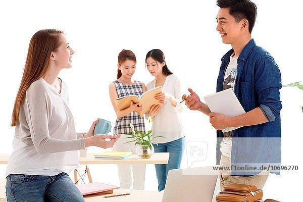 Mensch Menschen Klassenzimmer jung