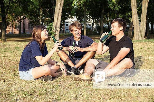 Freundschaft trinken Bier