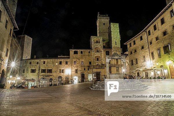 Piazza of Cisterna  SanGimignano  Medieval Village  Tuscany  Italy.