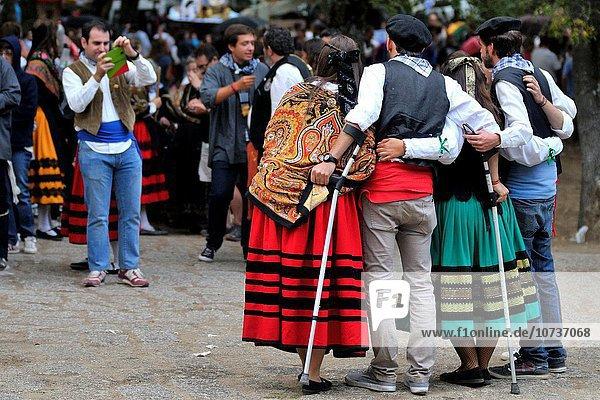 Madrid Hauptstadt Fest festlich Pilgerer Spanien