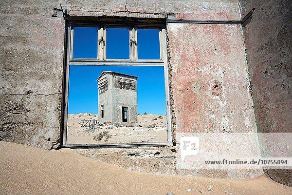 Fenster Stadt Ruine Rahmen Namibia Lüderitz Afrika Geist Kolmanskop
