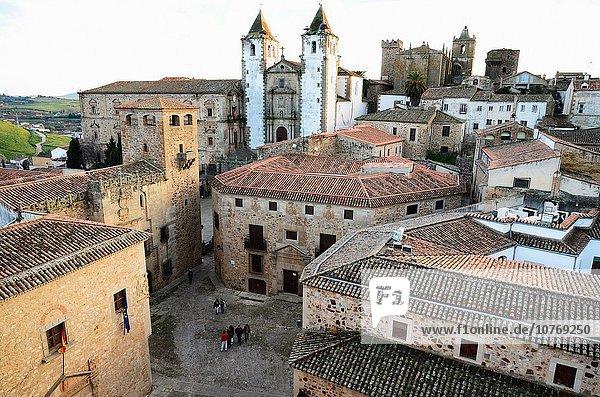 Europa Großstadt Turm Kirche Kathedrale Caceres Extremadura alt Spanien