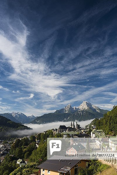 Ortsansicht  hinten Watzmann  Berchtesgaden  Berchtesgadener Land  Oberbayern  Bayern  Deutschland  Europa
