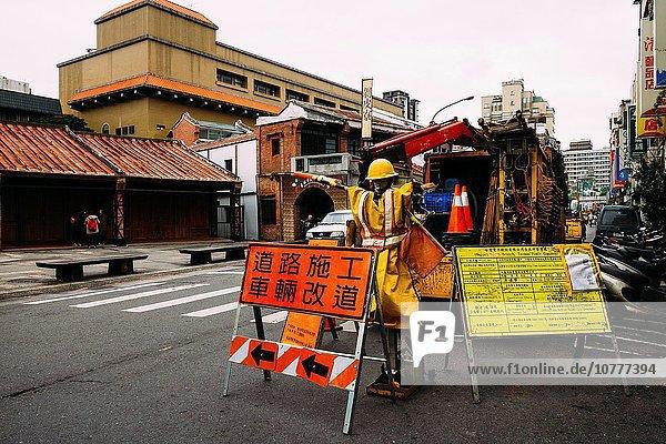 Taipeh Hauptstadt bauen Tag Verkehr Straße Großstadt Ansicht Taiwan