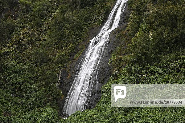 Wasserfall  Cascade du Voile de la Mariee  bei Salazie  Cirque de Salazie  La Reunion  Frankreich  Europa